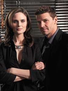 Emily Deschanel & David Boreanez as Brennan & Booth (Source: Fanpop)